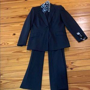 2-piece suit striped